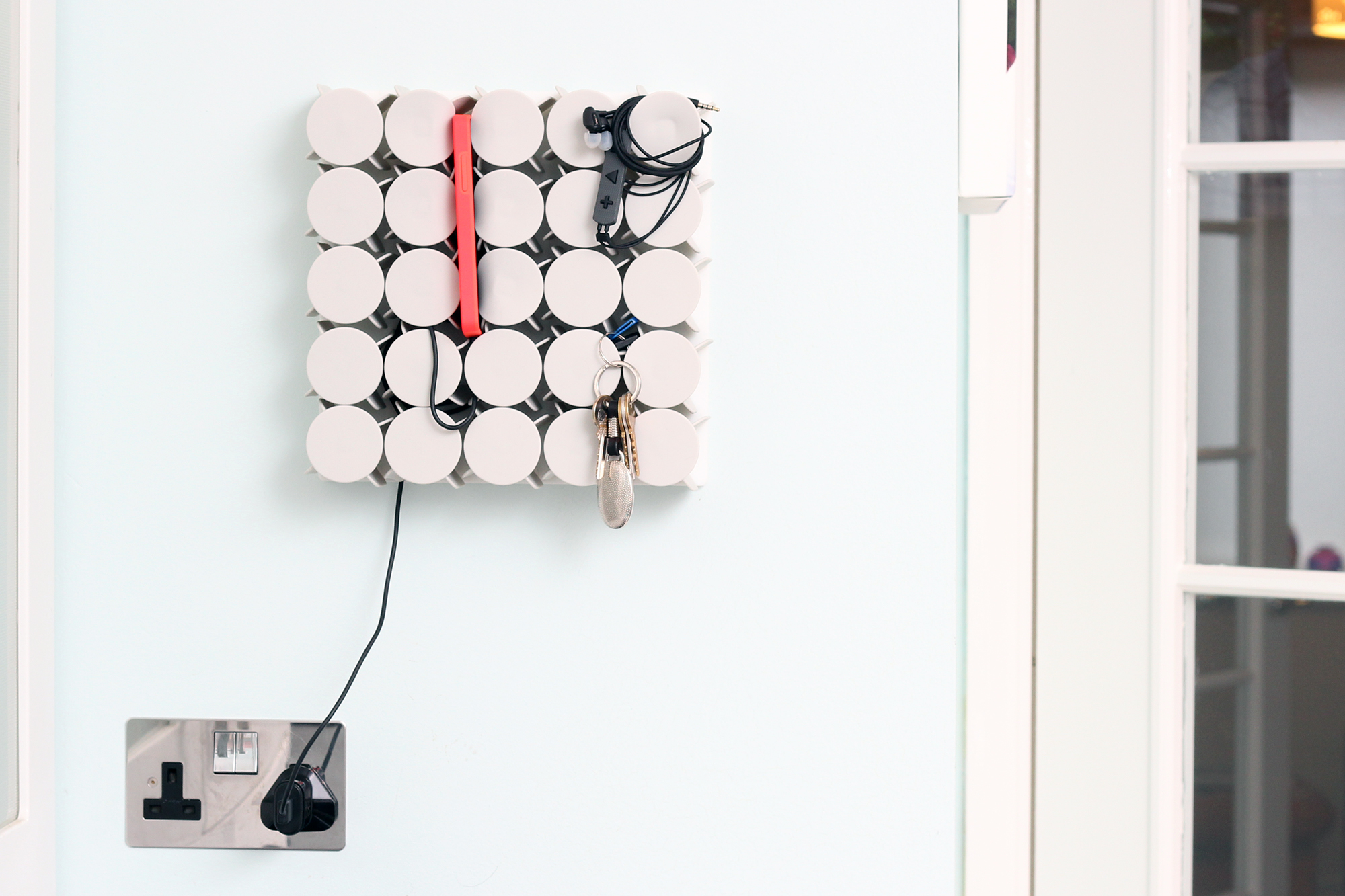Geco Hub Phone Charger Geco Hub Flexible Wall Mounted Storage Kickstarter Project